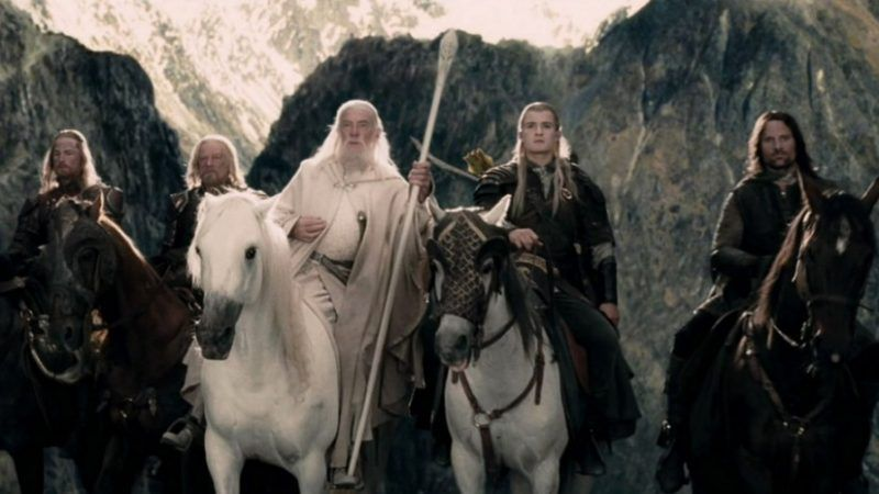 Preparados para la batalla a caballos